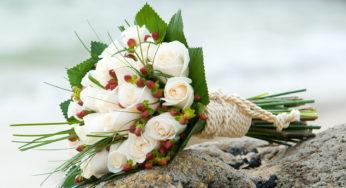 Mazzo Di Fiori Per 25 Anni Di Matrimonio.Bouquet 25 Anni Di Matrimonio Quel Tocco Argentato Sui Fiori