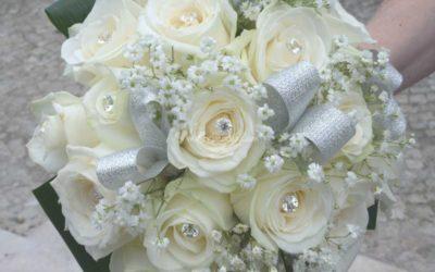 Bouquet 25 anni di matrimonio: quel tocco argentato sui fiori