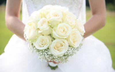Come scegliere il bouquet matrimonio? 3 consigli per i tuoi fiori